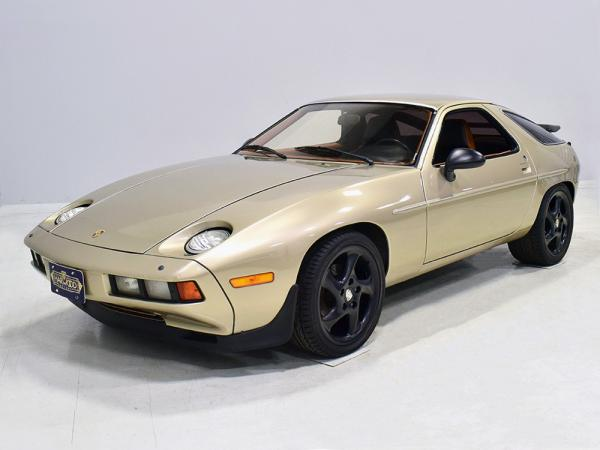 Modestly Modded: Refreshed and Upgraded 1979 Porsche 928