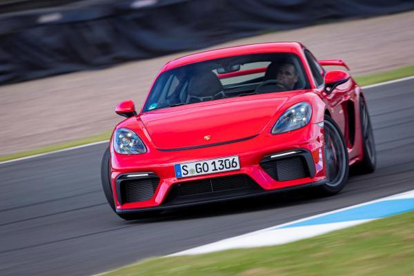 PDK Gearbox Makes 2021 Porsche Cayman GT4 A LOT Quicker