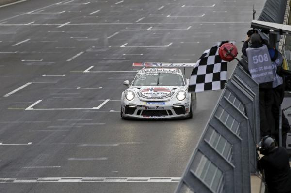 3rd victory of the season for Larry ten Voorde in Carrera Cup Deutschland