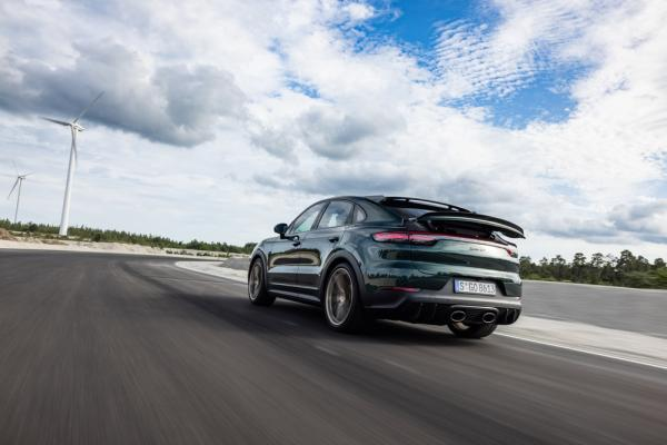 Porsche increases deliveries for the…