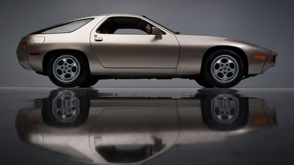 Tom Cruise's Porsche 928 in 'Risky…