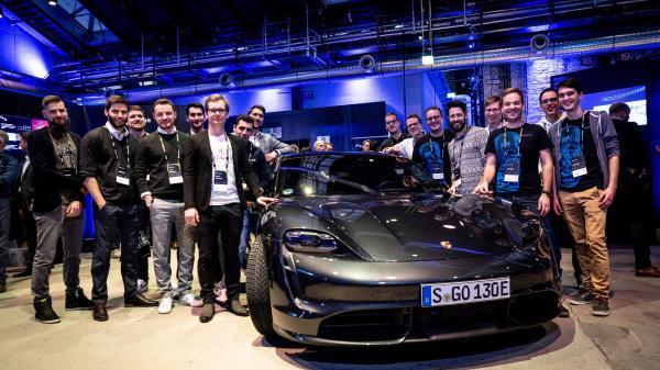 Porsche Partners with Startup Autobahn Through 2023
