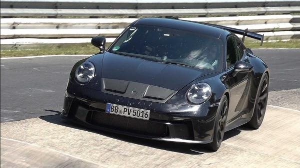 Watch 992-Generation Porsche 911 GT3…