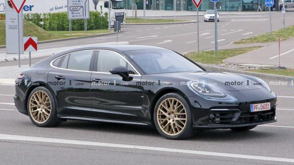 Refreshed Porsche Panamera Spied In Light Camouflage