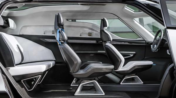 Porsche Vision Renndienst Electric Van…