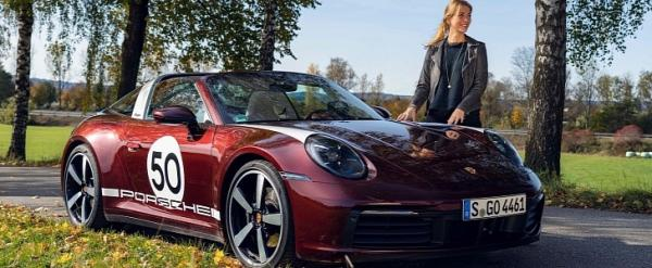 The 911 Targa Heritage Edition Seen…